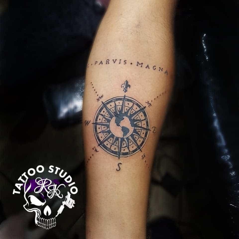 Tatouages Compass Sic Parvis Magna Ewerton Rubens
