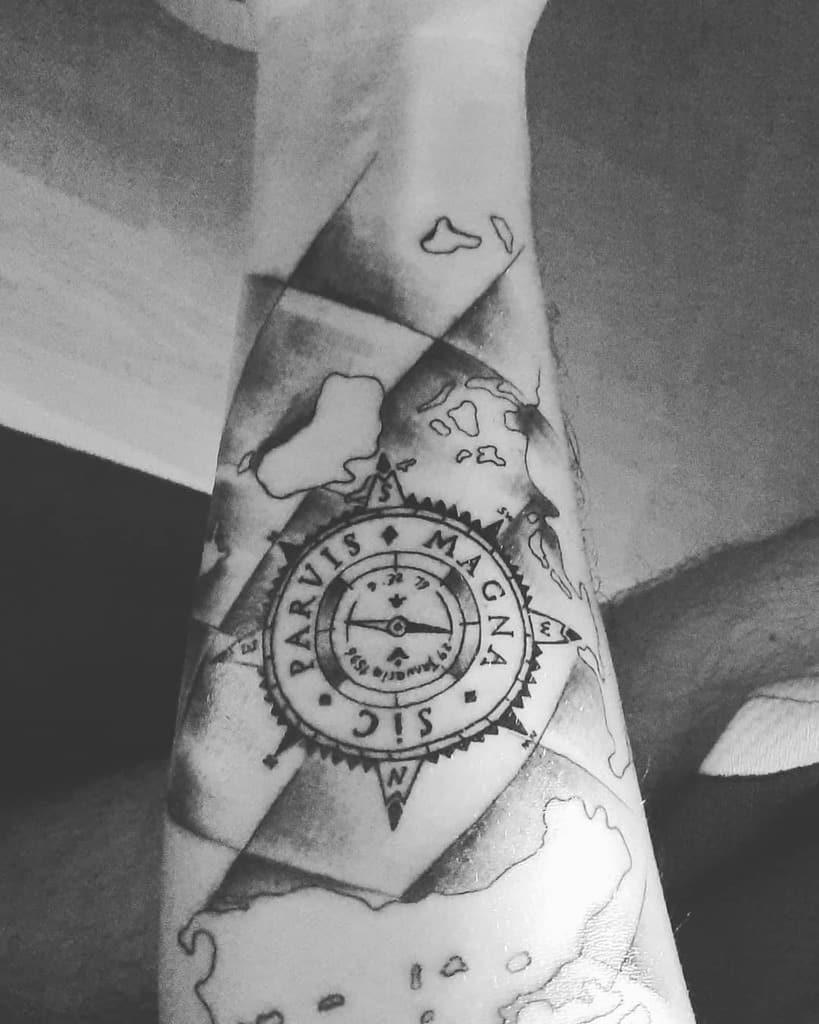 Tatouages Dodoo Compass Sic Parvis Magna 1903