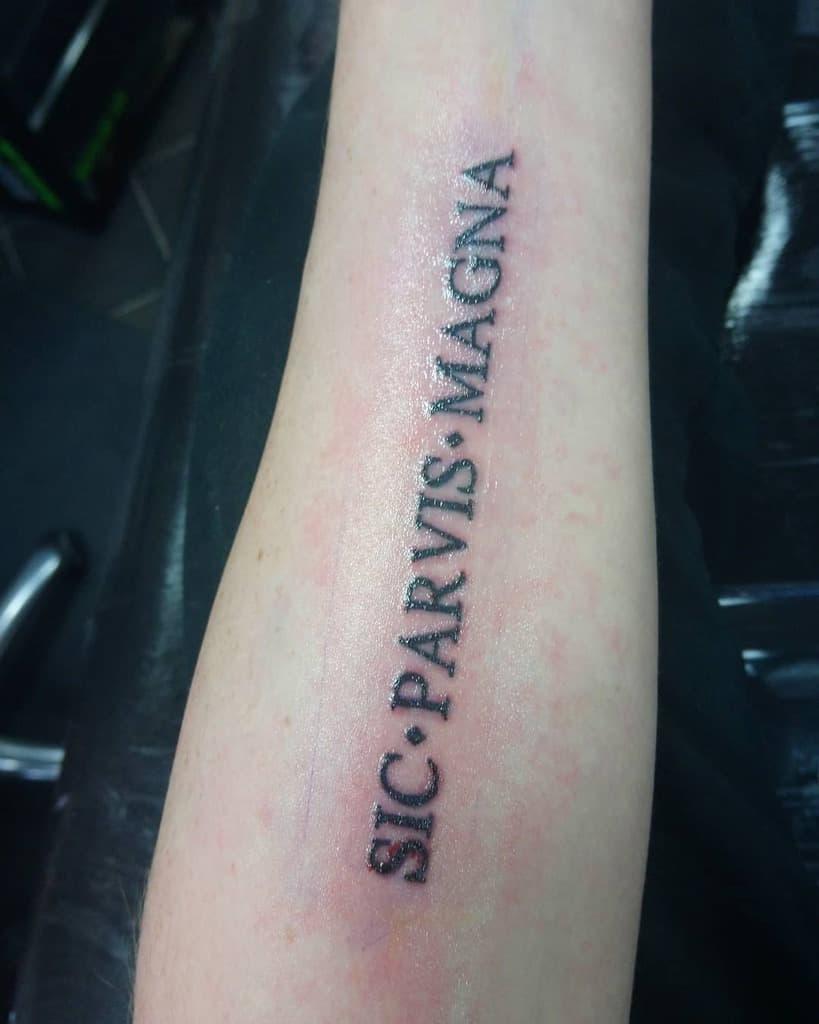 Avant-bras Sic Parvis Magna Tatouages Markjason92