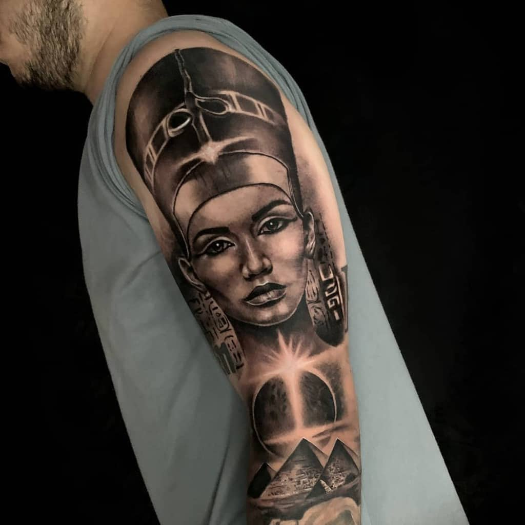 Manchette de bras Nefertiti Tattoos Litohurtadoart
