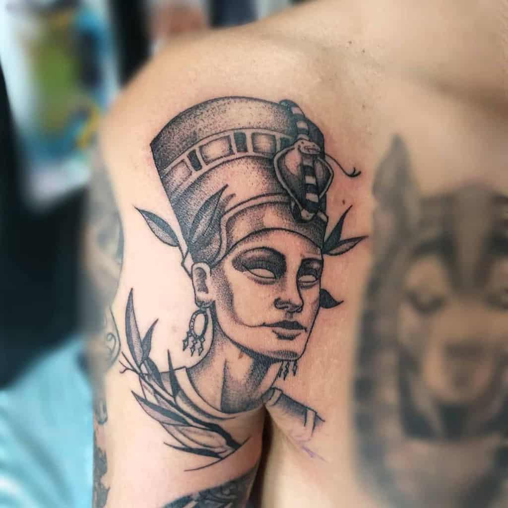 Tatouages en points Nefertiti Tatouages Randallgarciattoos
