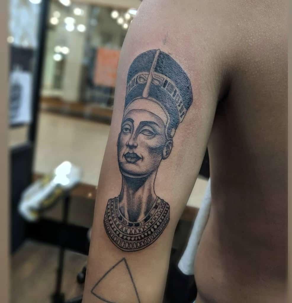 Tatouage de Nefertiti Tatouage de Gustavo