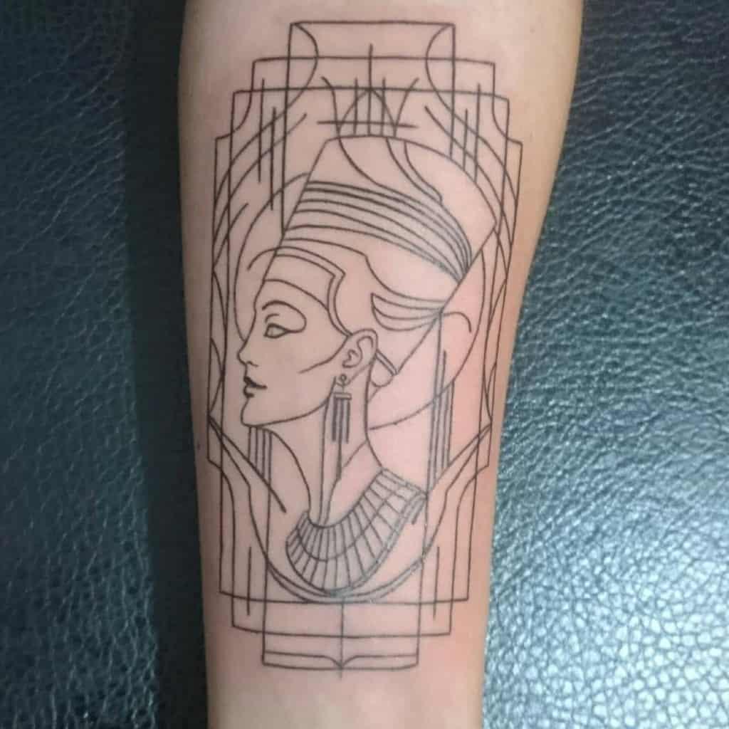 Tatouages de Nefertiti Blackwork Nadide.turk