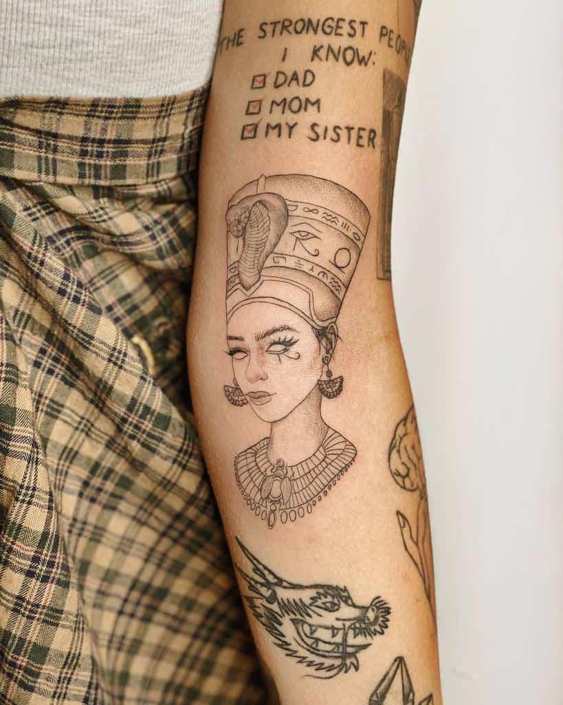 Tatouages simples de Nefertiti Ms.j Tattoo