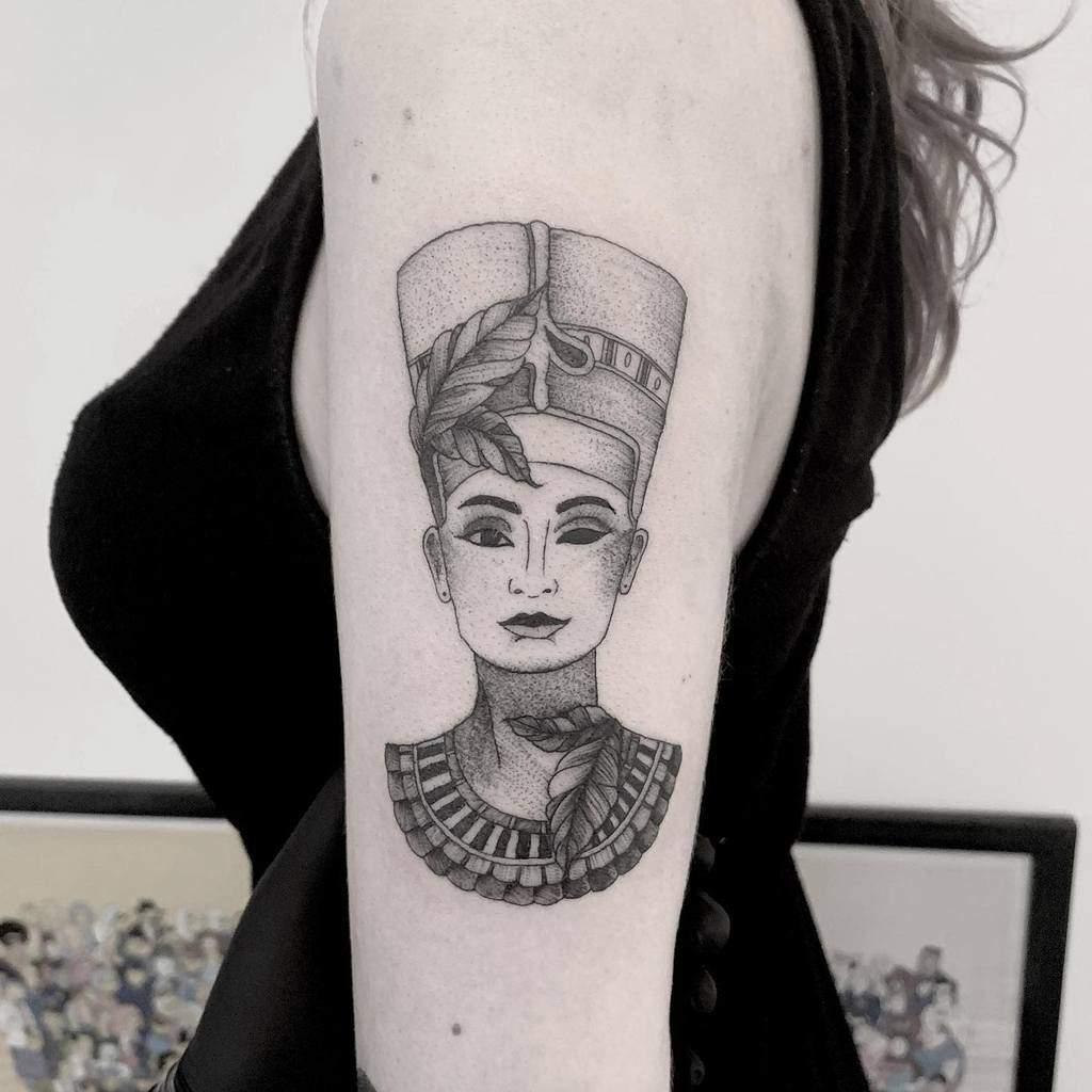 Tatouages de Nefertiti Bold.belle