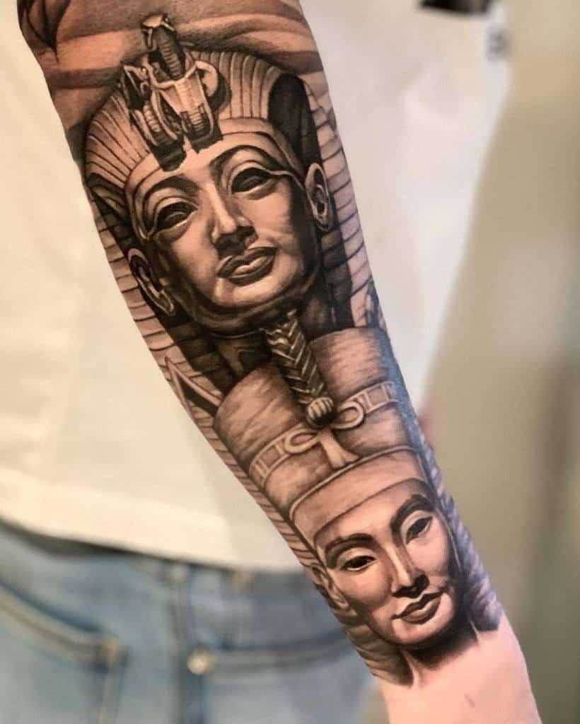 Tatouages d'avant-bras Nefertiti Chris Chronicink