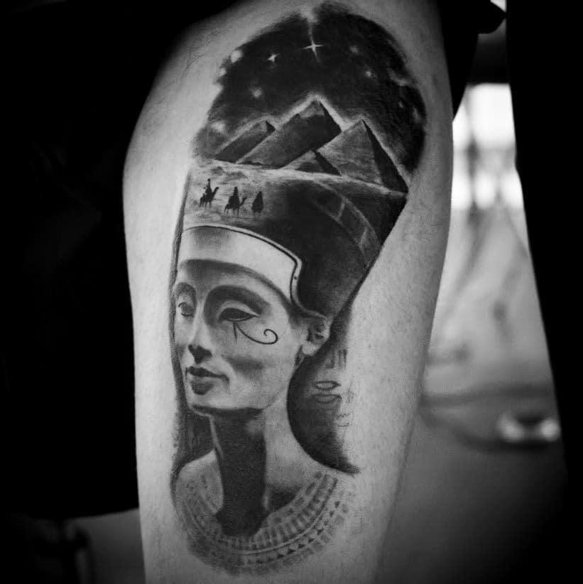 Tatouages réalistes de Néfertiti Catalinm.zaharia