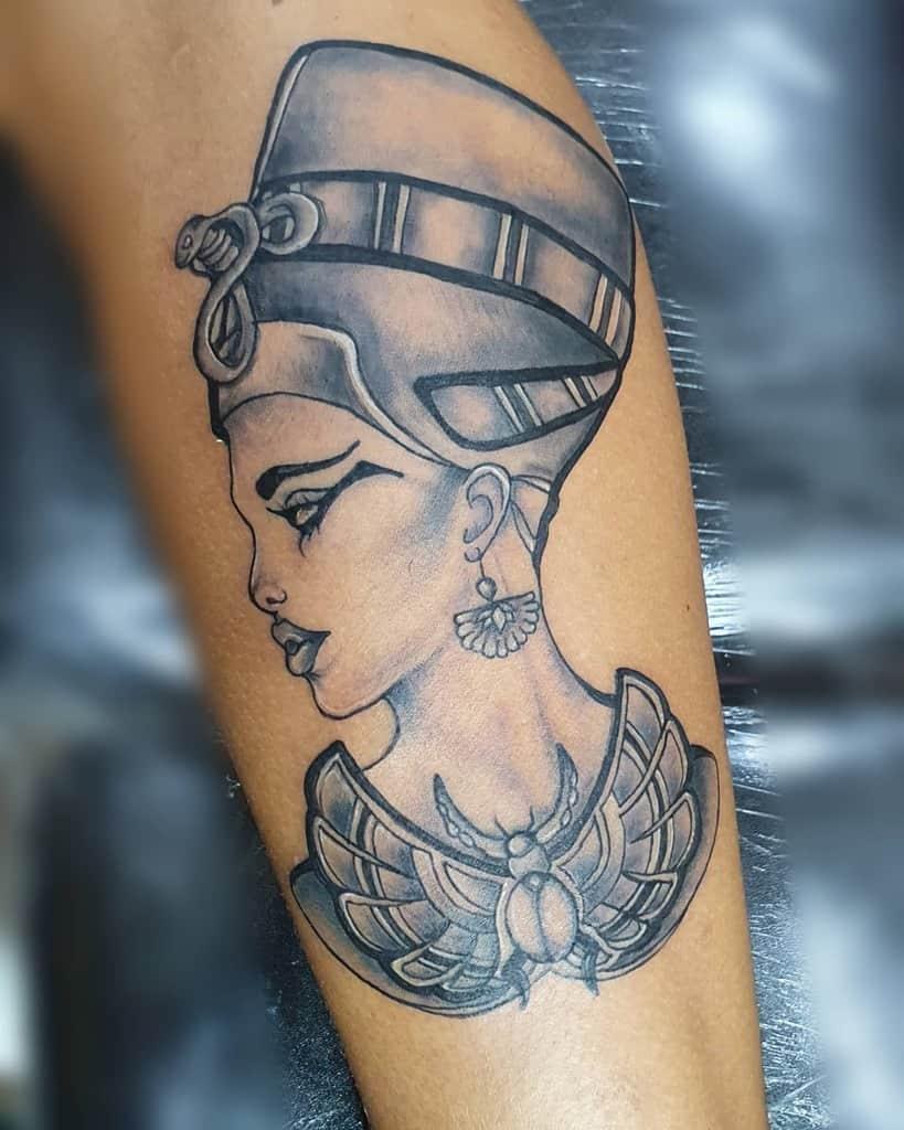 Tatouages Nefertiti ombragés Tatouage artistique de Gerson