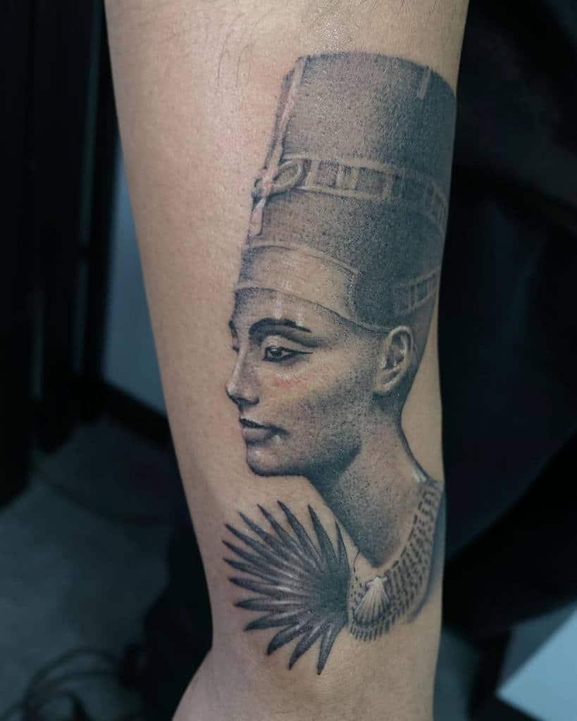 Tatouages réalistes de Néfertiti Vk Illu Hontattoo