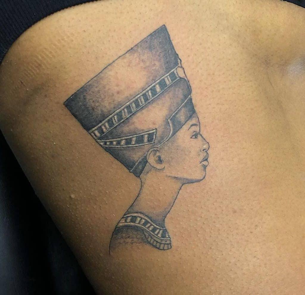 Tatouages latéraux Nefertiti Edwa305