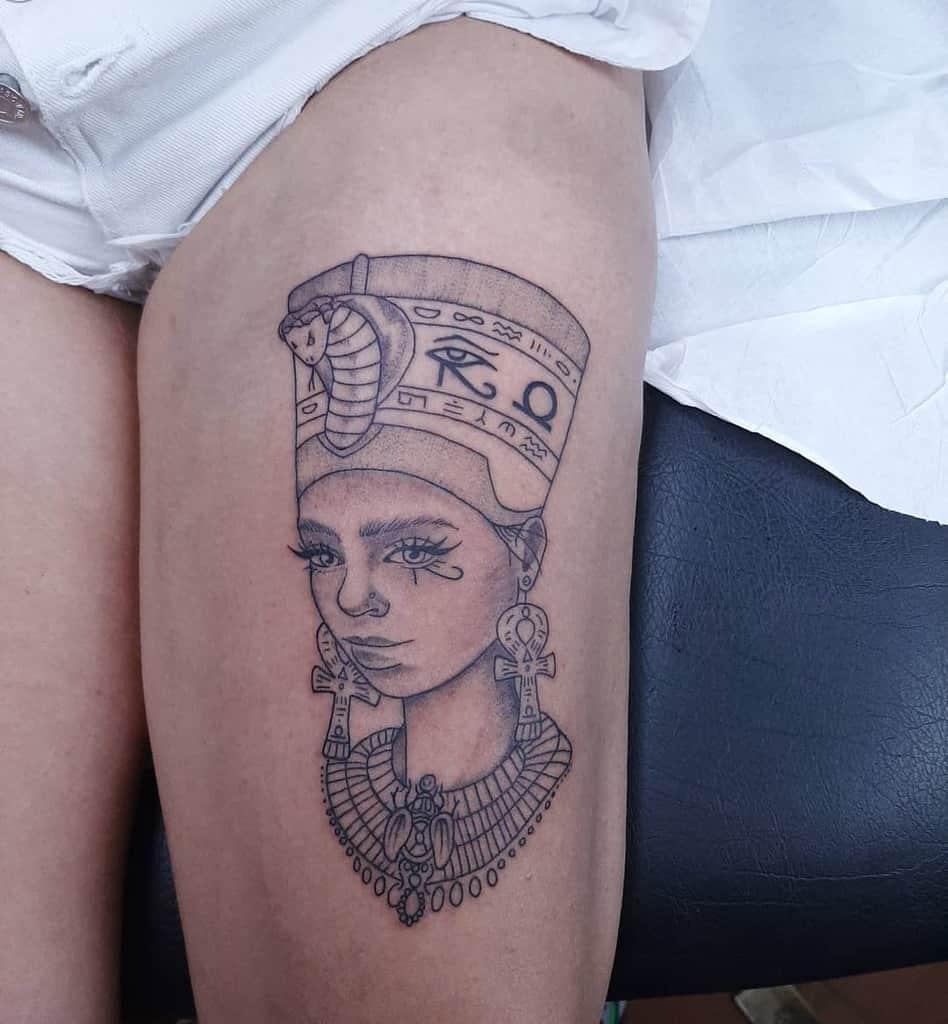 Tatouages de cuisses Nefertiti Ilpadrinotattoo