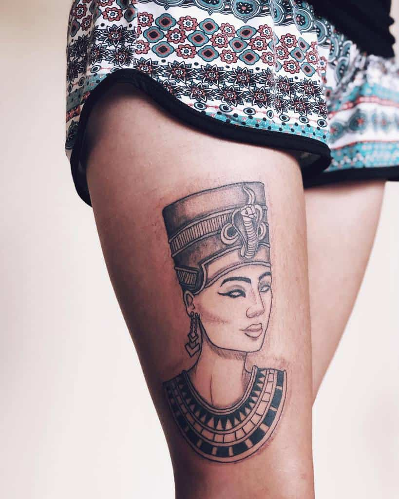 Tatouages de cuisse Nefertiti Jessicasm.tattoo