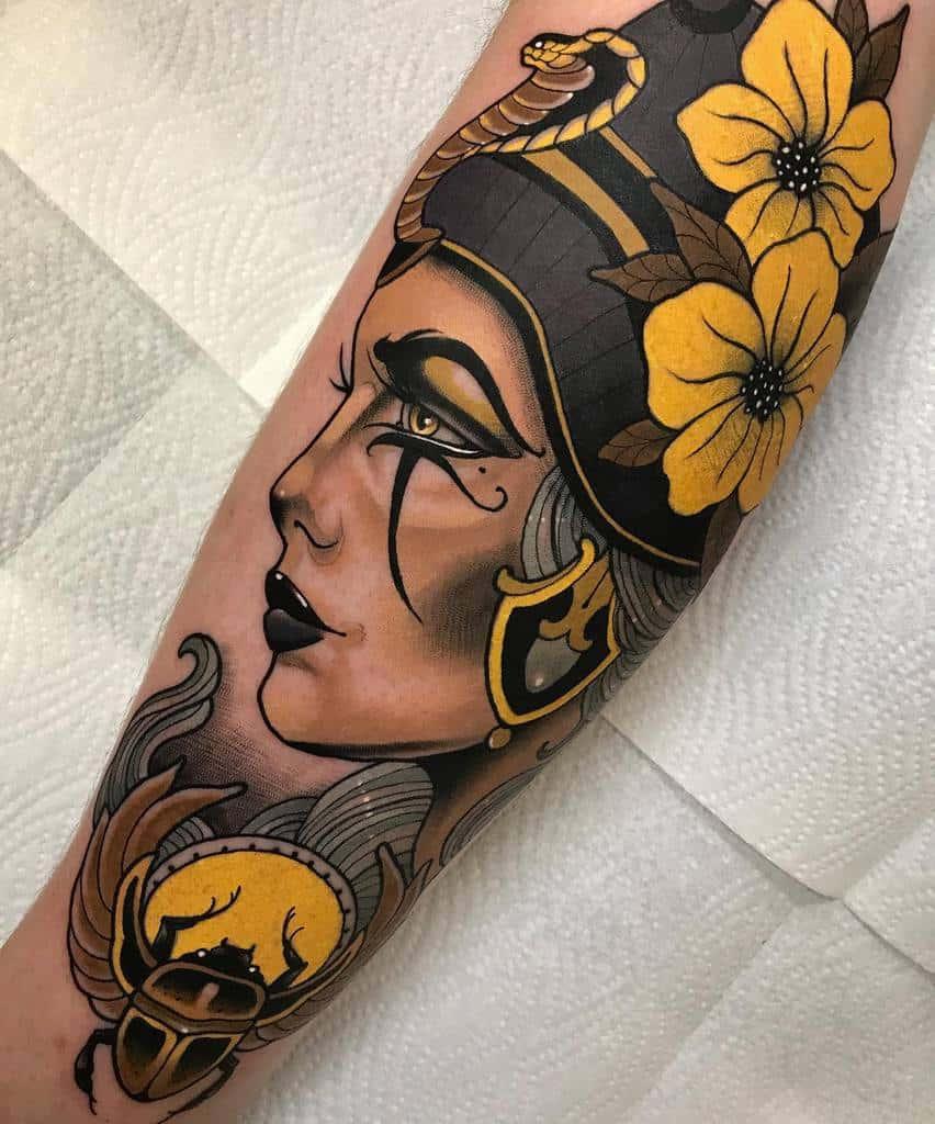 Tatouages Néfertiti à l'aquarelle Dyemtattoos