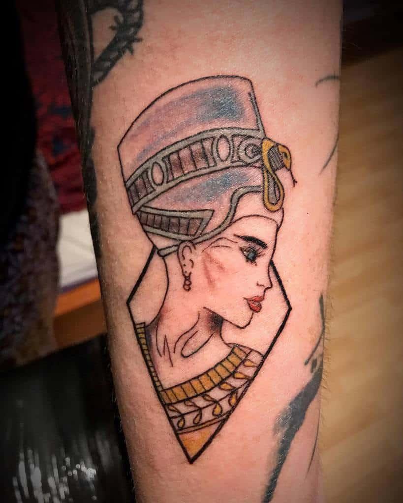 Tatouages Néfertiti à l'aquarelle Tatouage13 Cz