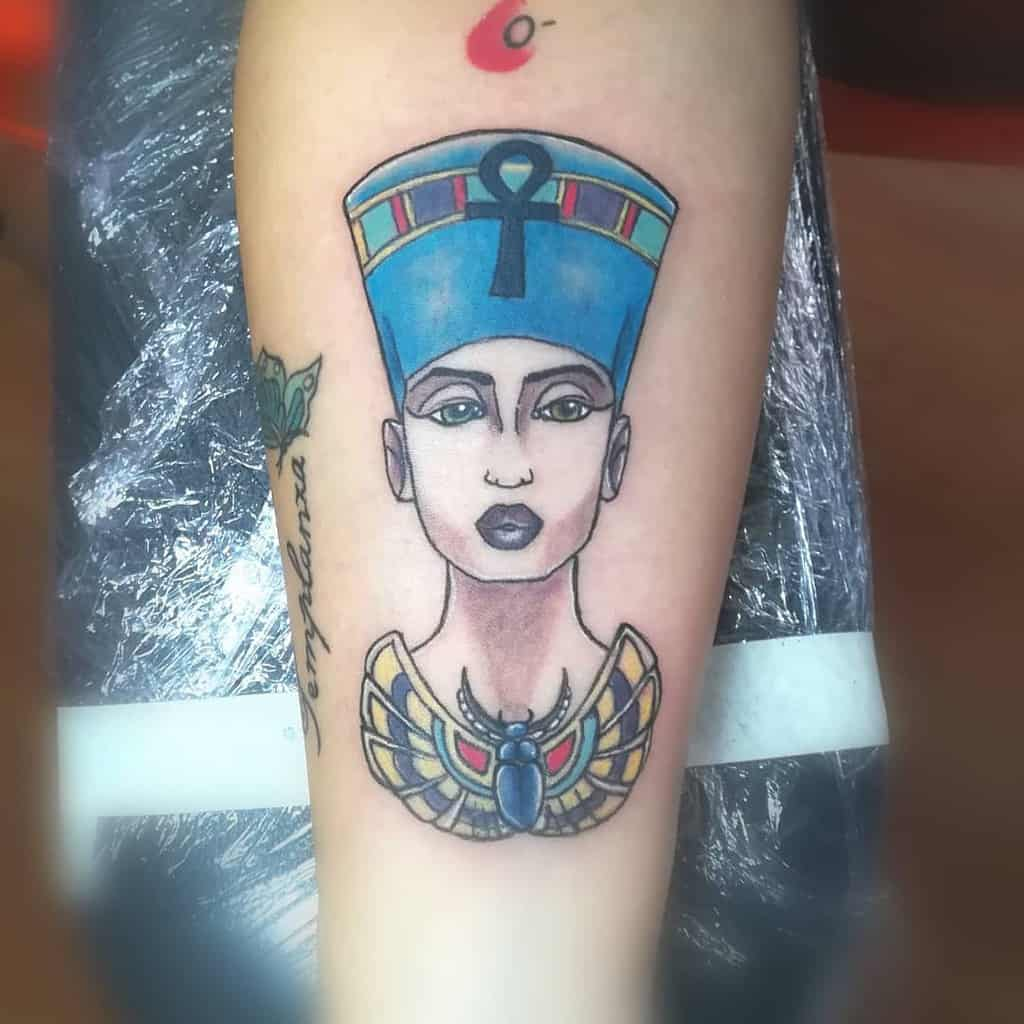 Tatouages Néfertiti à l'aquarelle Nnertattoo
