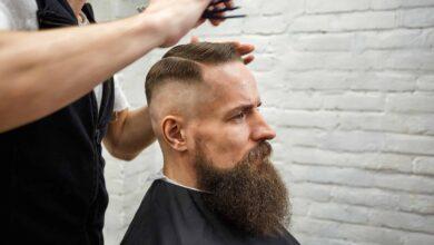 28 meilleures coupes de cheveux pour les hommes aux cheveux clairsemés qui ont encore une belle apparence