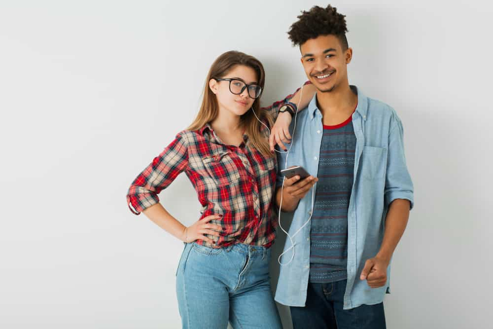 jeune joli couple