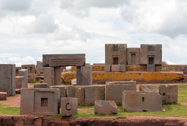 Pierres de taille mégalithiques au Puma Punku complx, Tiwanaku. (dmitriy_rnd / Adobe Stock)