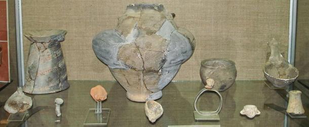 Découverte archéologique de la culture de Cucuteni Trypillian en Moldavie, vers 3650 avant J.-C. (domaine public)