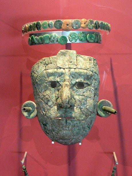 Masque de jade de la Reine Rouge de Palenque provenant de la tombe trouvée dans le Temple XIII. (Wolfgang Sauber/CC BY SA 3.0)