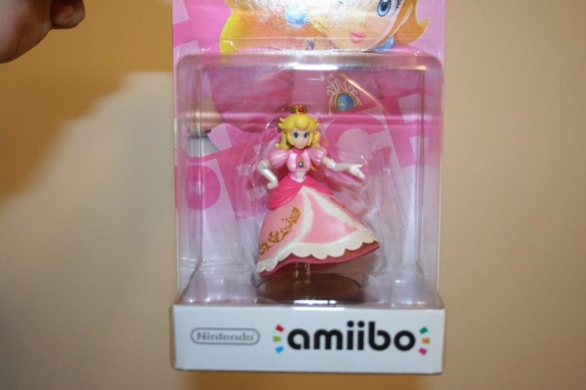 Les figurines Amiibo les plus chères - Princesse pêche sans jambes