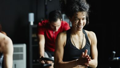 5 raisons de changer de vêtements après un cours de cyclisme