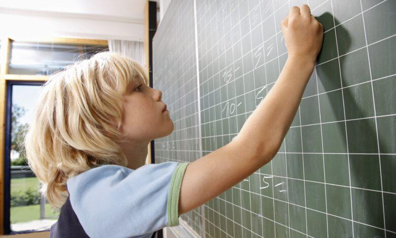 Aider un enfant qui souffre d'angoisse mathématique