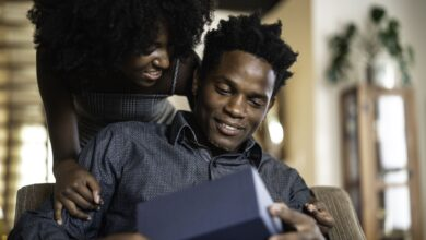 Ce que signifie la langue d'amour des cadeaux pour une relation