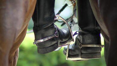 Choisir des bottes d'équitation sûres