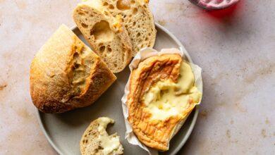 Combien de temps le fromage peut-il se conserver au réfrigérateur ?