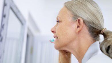 Comment garder des dents blanches et paraître plus jeune