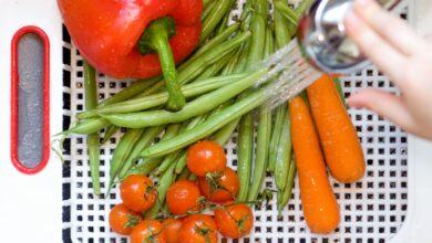 Comment laver les légumes et les fruits avant de les manger