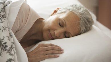 Comment le sommeil change avec l'âge