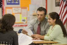 Comment les parents peuvent s'impliquer davantage dans les écoles