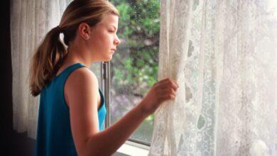 Comment savoir si votre enfant est prêt à rester seul à la maison