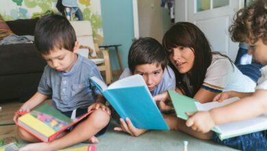 Comment trouver et garder des baby-sitters pour votre famille nombreuse