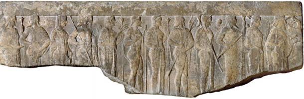Le conseil des douze dieux supérieurs se réunit pour décider du sort de Gilgamesh et d'Enkidu. (Kaldari / Domaine public)