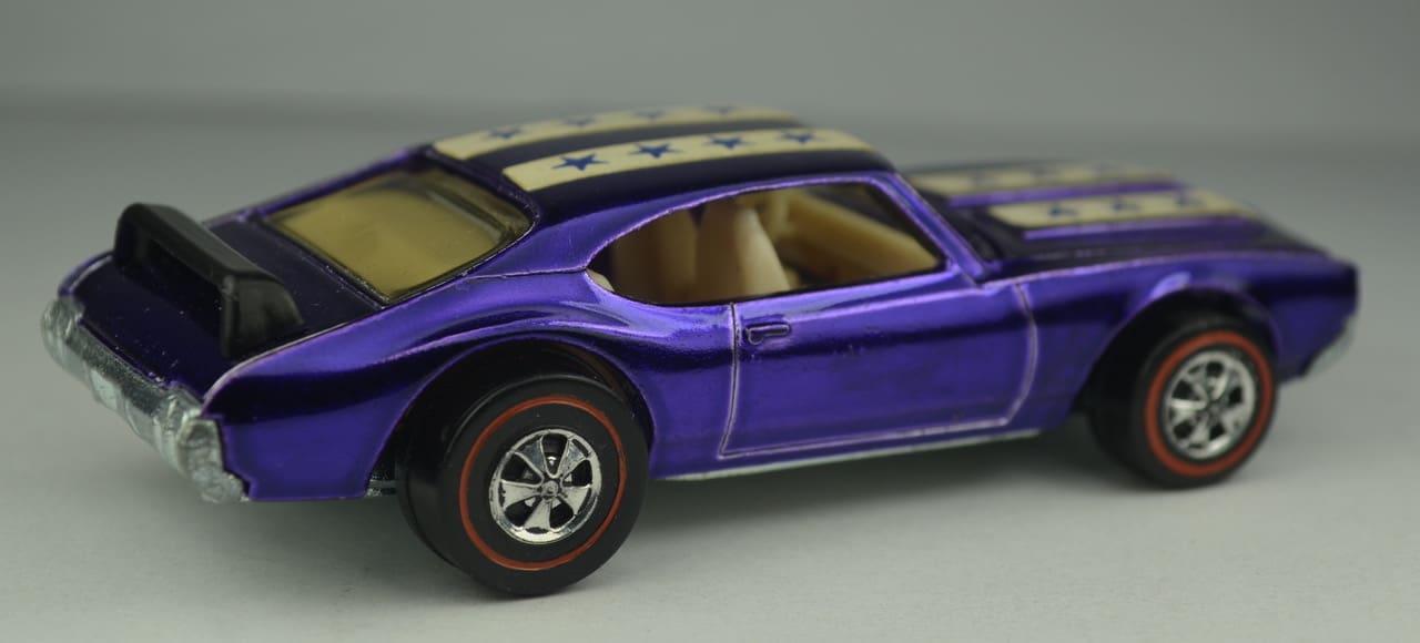 Les roues les plus chères - 1971 Purple Olds 442