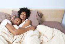 Les couples mariés et le fait de dormir ensemble
