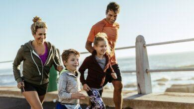 Les enfants et la course à pied pour faire de l'exercice et s'amuser
