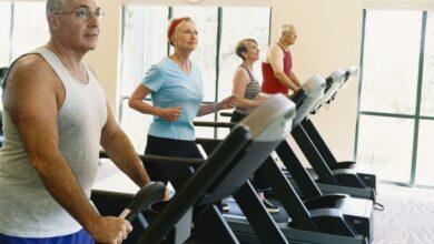 Photo de Plan d'entraînement à la marche sur tapis roulant pour les personnes âgées
