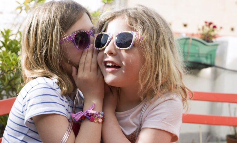 Photo de Pourquoi les parents ne devraient pas dire à leurs enfants de garder des secrets
