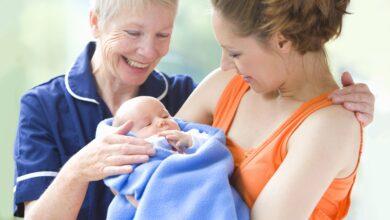Pourquoi les parents ne laissent pas les grands-parents visiter un nouveau-né