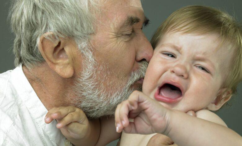 Que faire lorsque bébé n'aime pas grand-mère ou grand-père
