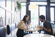 Qu'est-ce que le flirt ? Une explication psychologique