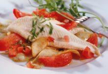 Servir un délicieux dîner avec du poisson poché