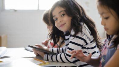 Stratégies pour améliorer le comportement de votre enfant à l'école