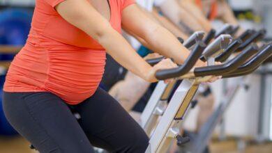 Une femme enceinte peut-elle faire du vélo d'intérieur en toute sécurité ?