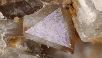 Zircon, Zircone, Minéraux de zirconium
