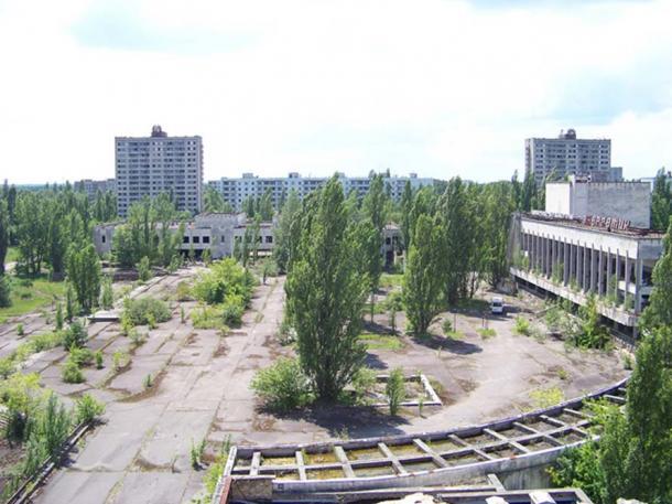 Place de la ville de Pripyat. Ville fantôme abandonnée dans le nord de l'Ukraine. (CC BY-NC-SA 2.0)